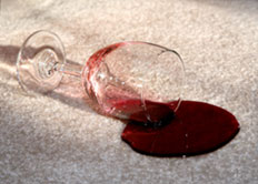 krasi-moketa-wine-on-carpet